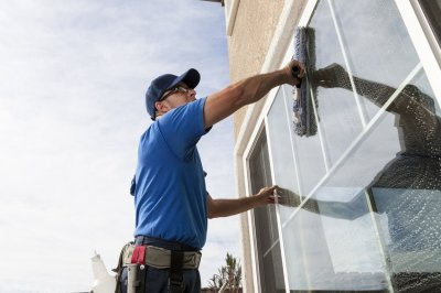 Window & Exterior Cleaning (Image)